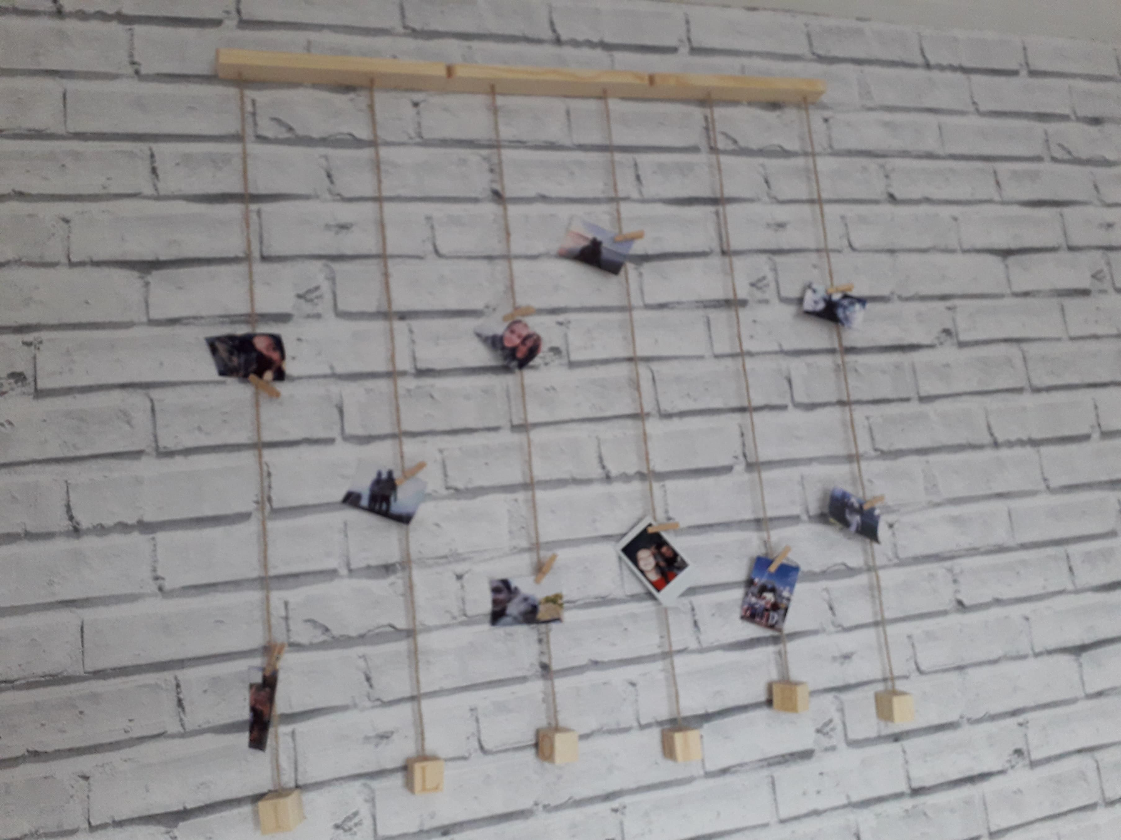 a neat way to hang your photos