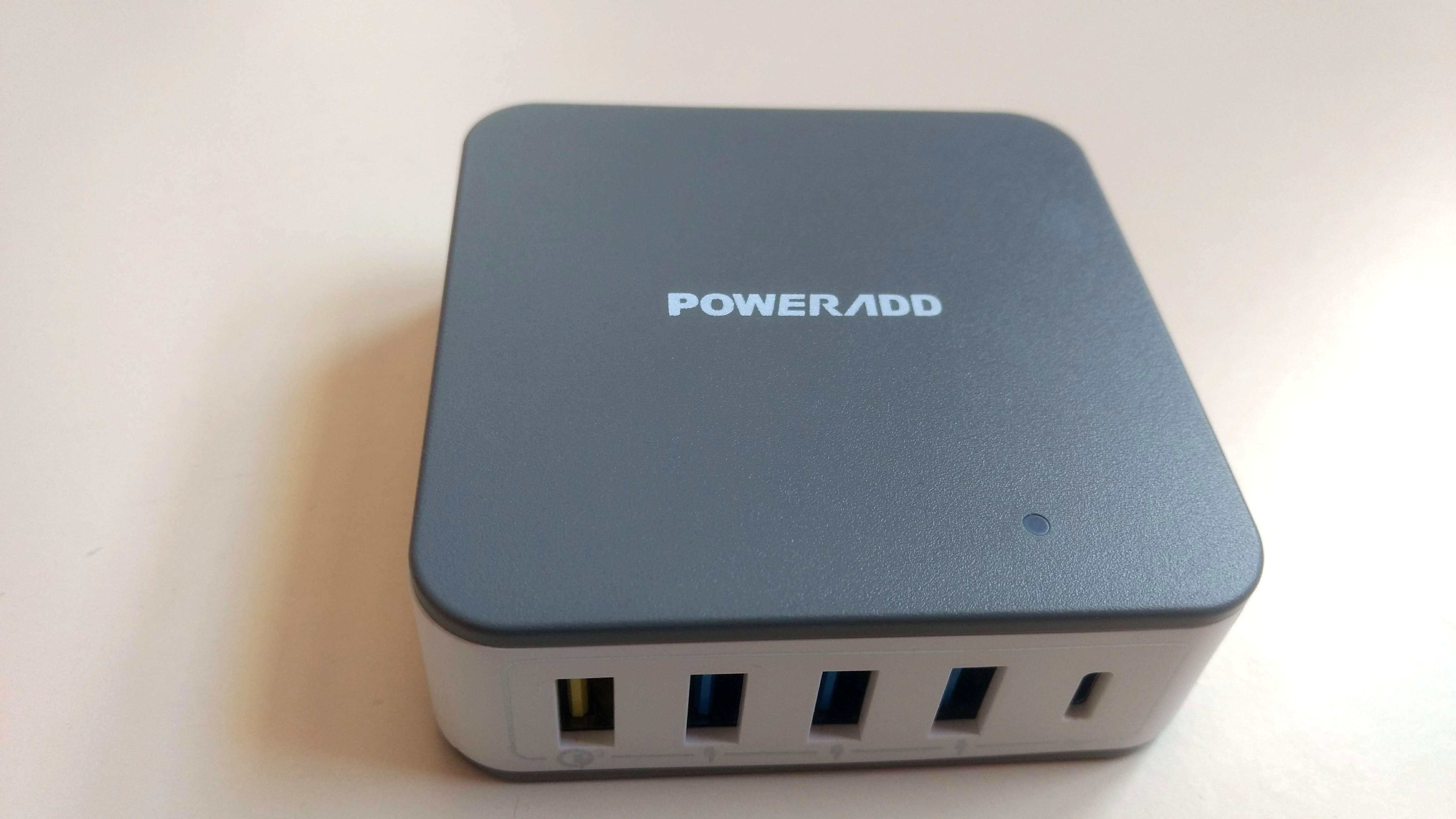 A Compact 5 Port Mains Powered USB Charger