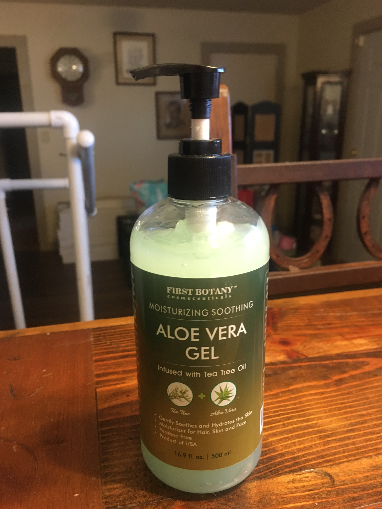 First Botany Aloe Vera Gel with Tea Tree Oil