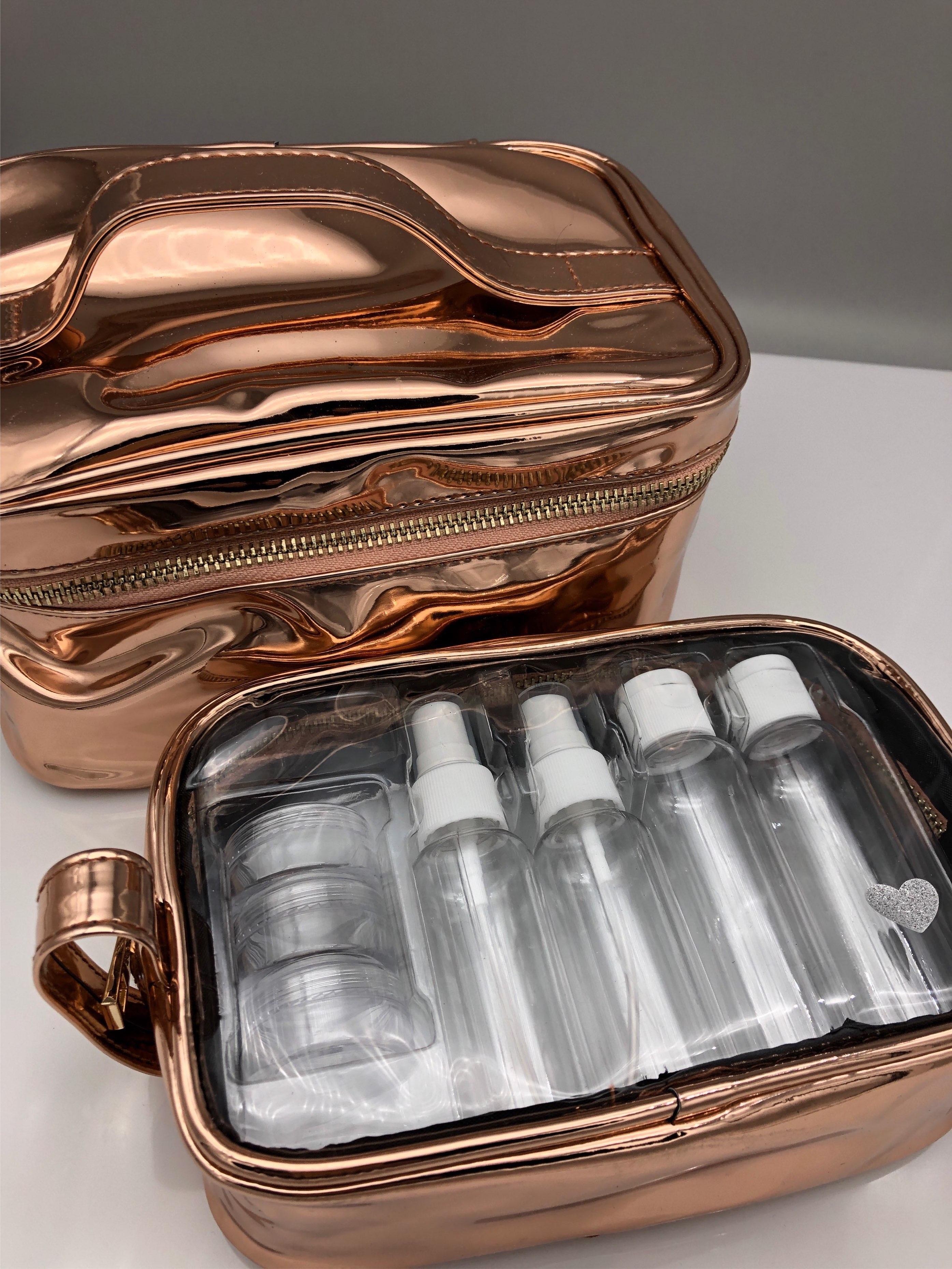 Hübscher Kosmetikkoffer für Flugreisen