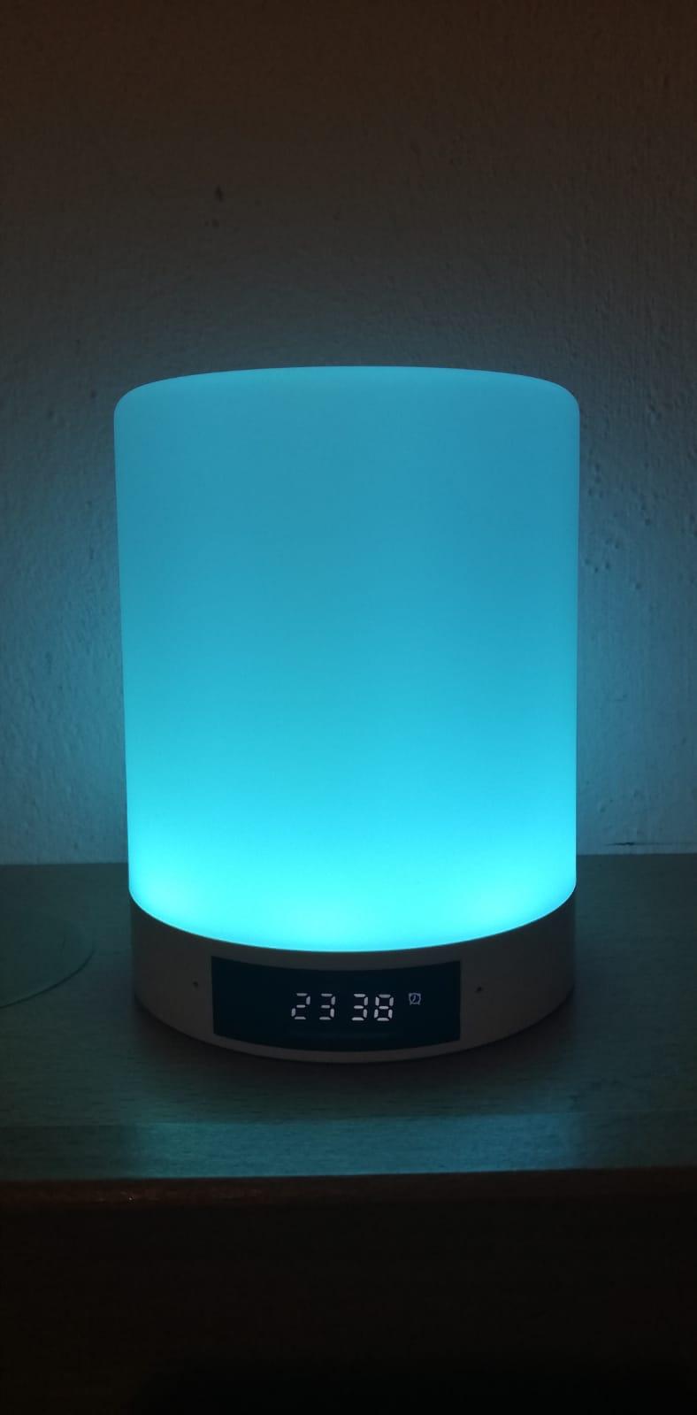 Super Lampe/Lautsprecher für alle Fälle!