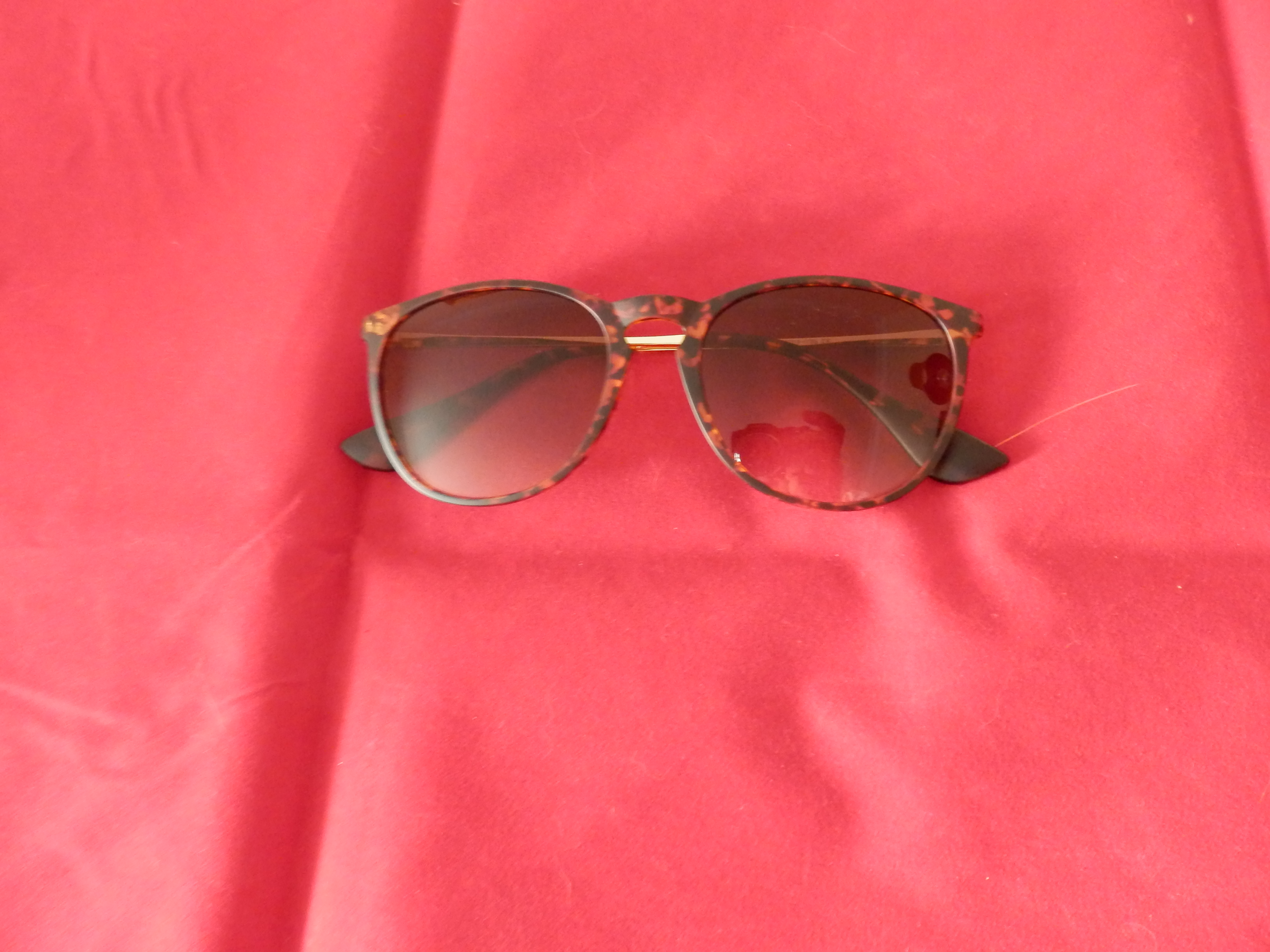 SUNGAIT Vintage Round Sunglasses for Women