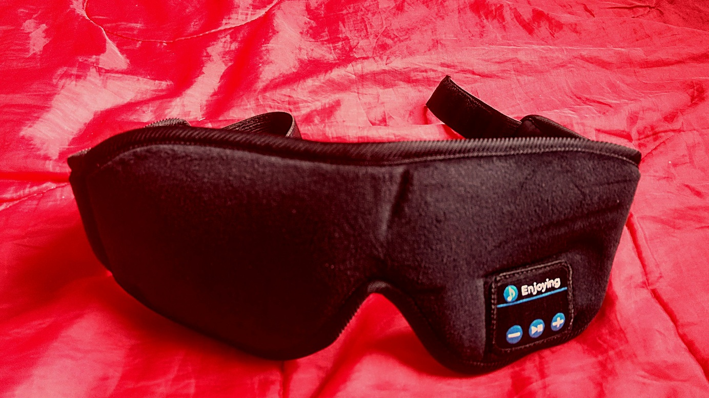 Silk Sleep Eye Mask With Bluetooth Speakers