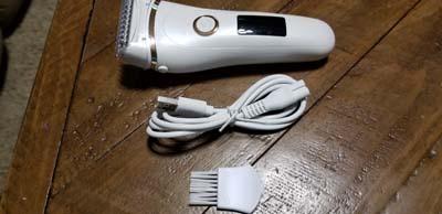 Nice electric razor - works great
