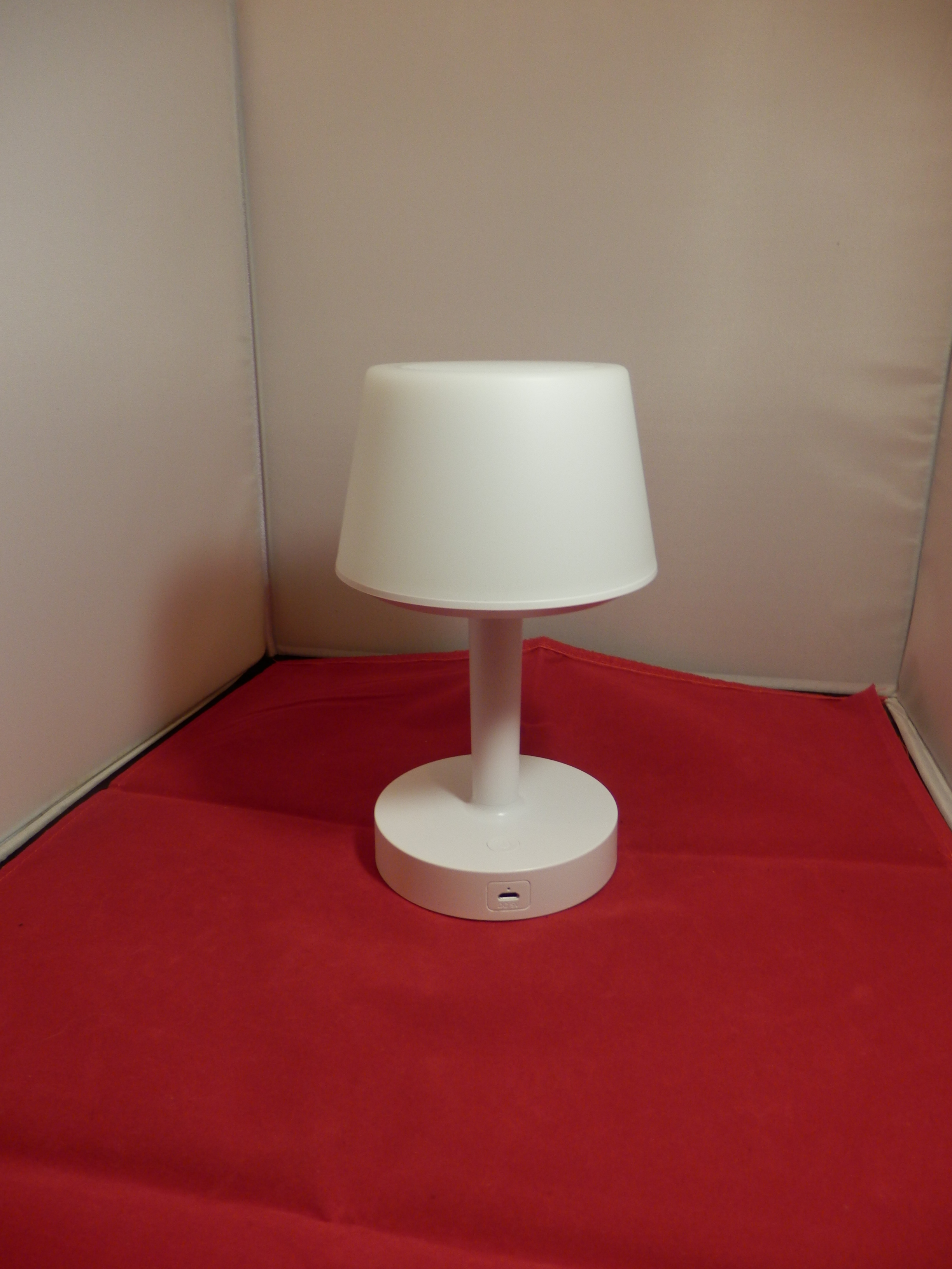 Bedside LED Table Lamp with Bluetooth Speaker and RGB Colour Changing Mode by Uverbon
