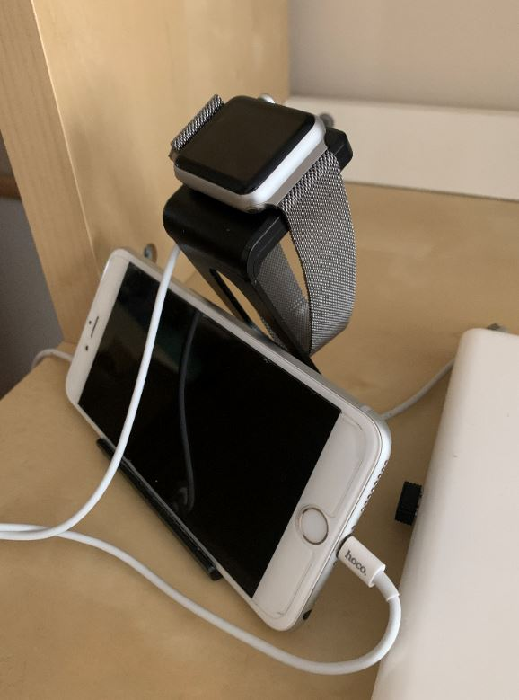 It works and charges simultaneous device at once