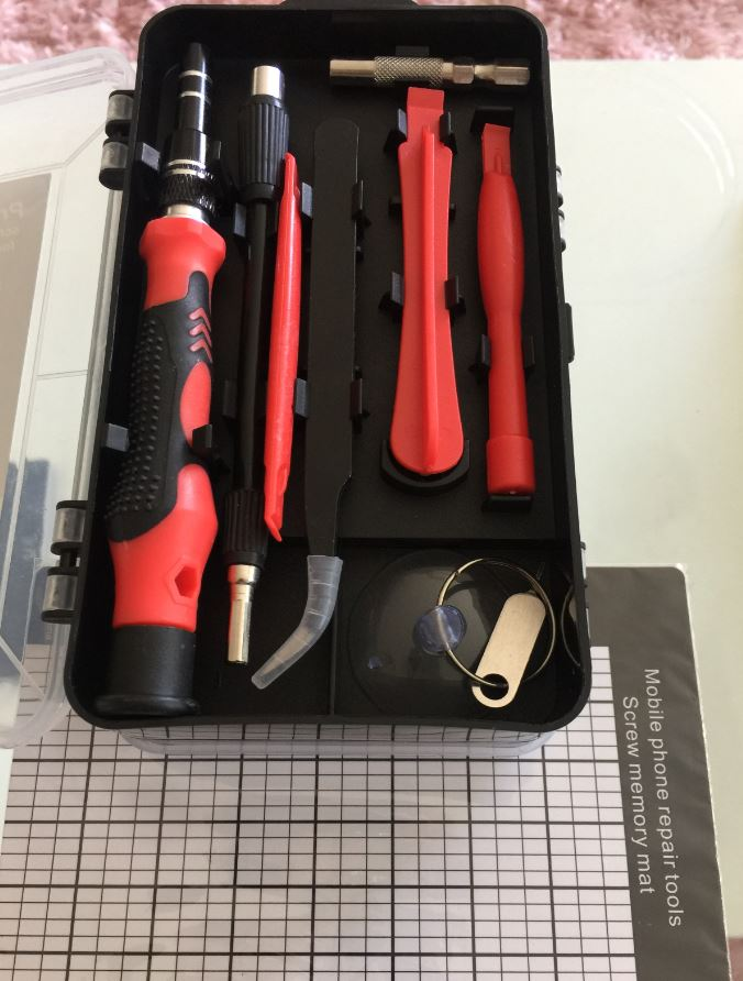 Convenient mini tool set with many uses