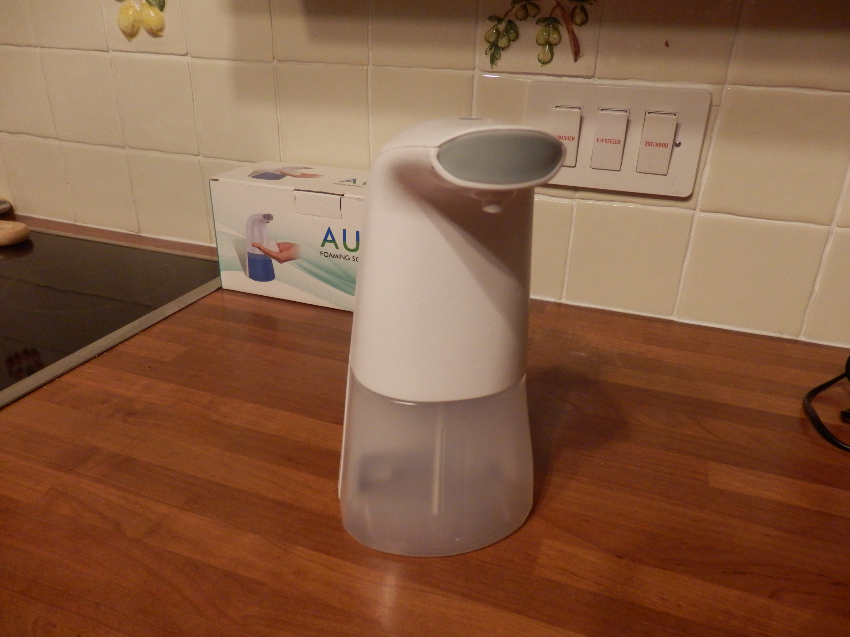 Automatic Touchless and Rechargeable Soap Dispenser by bedee