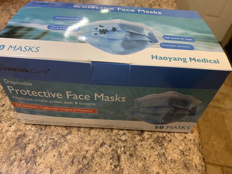 Industry-standard face masks, package of 50, with ear loops