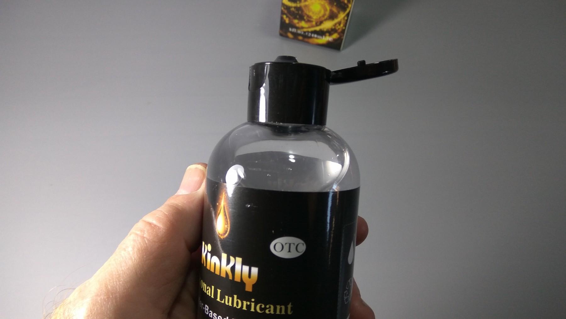 Estupendo, cumple a la perfección su función, que es lubricar