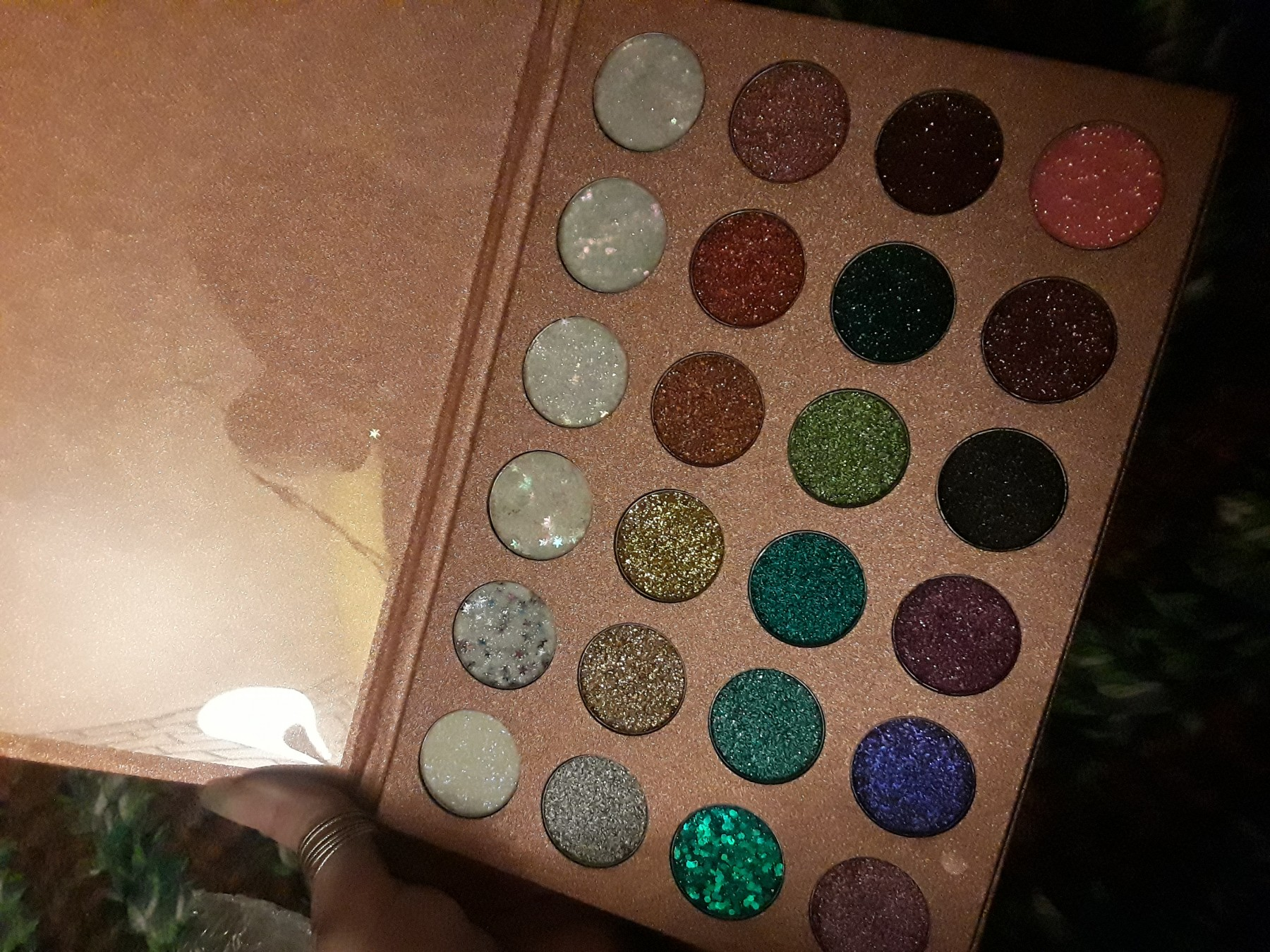 Super sparkly and larger than expected!