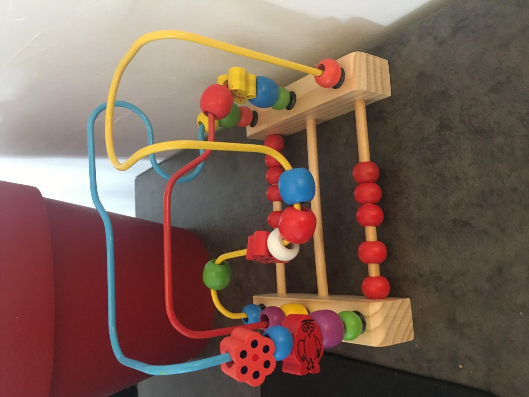Joli jouet en bois
