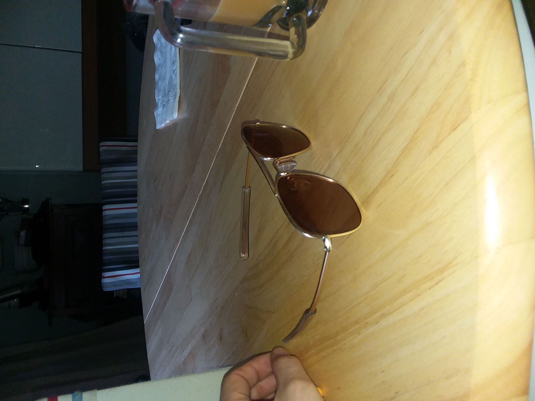 Retro aviator sunglasses