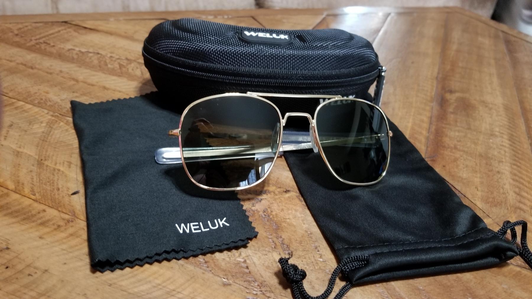 Great retro style sunglasses