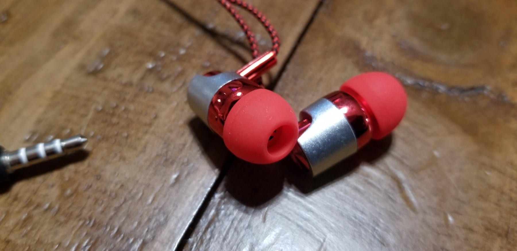 Love the color of these earbuds