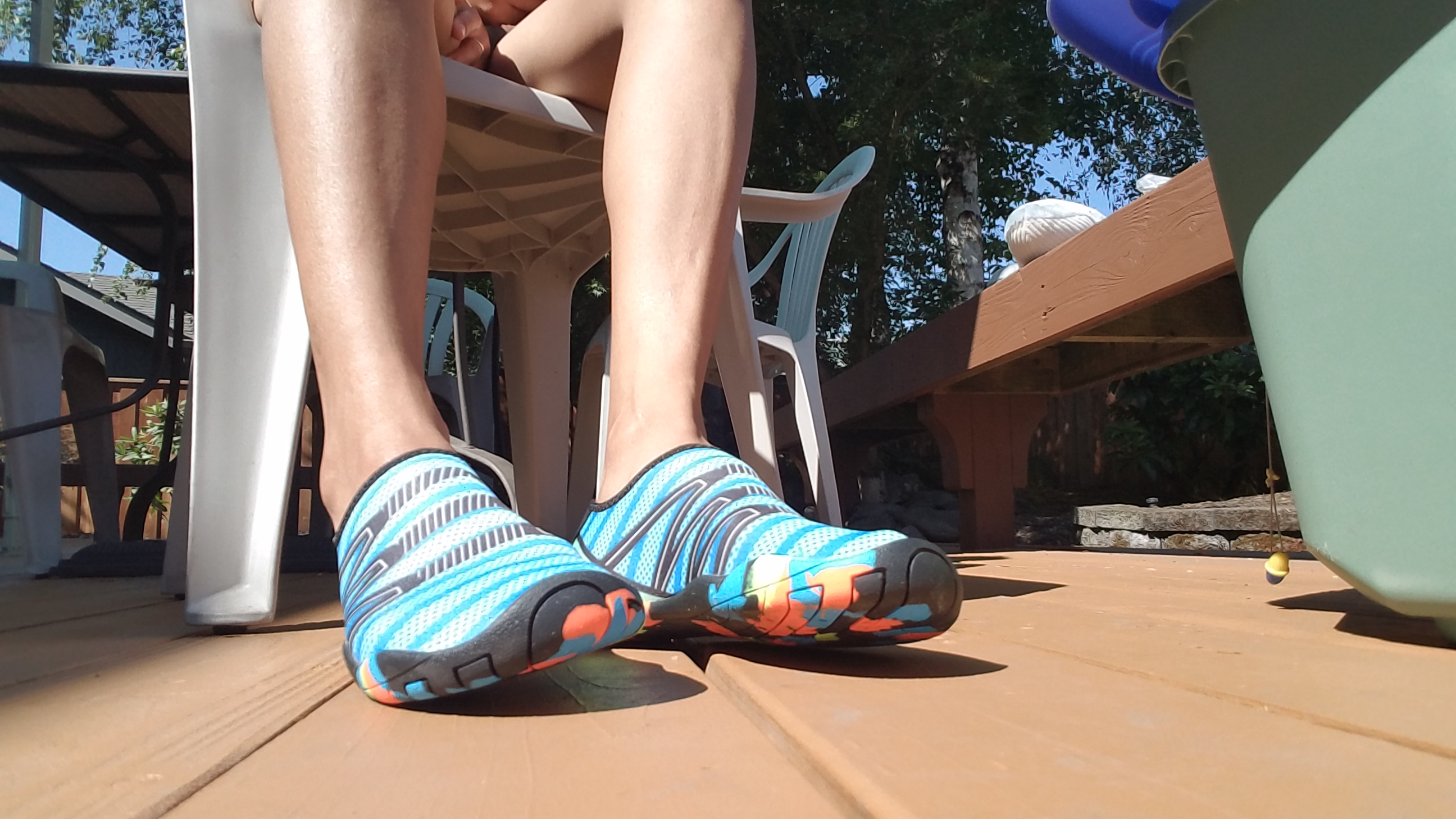 Nice color and Comfy to use water shoes