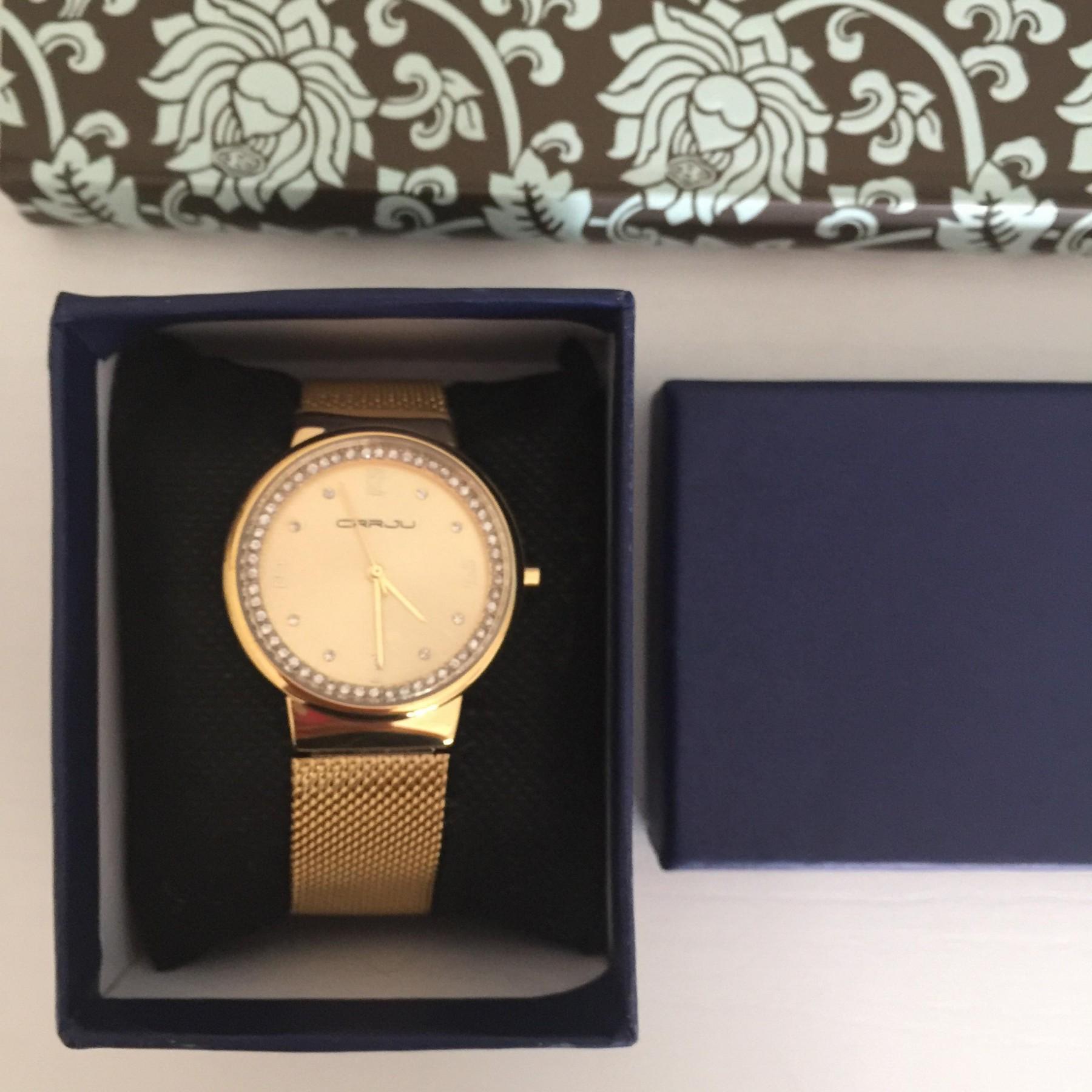 un orologio bello ed elegante
