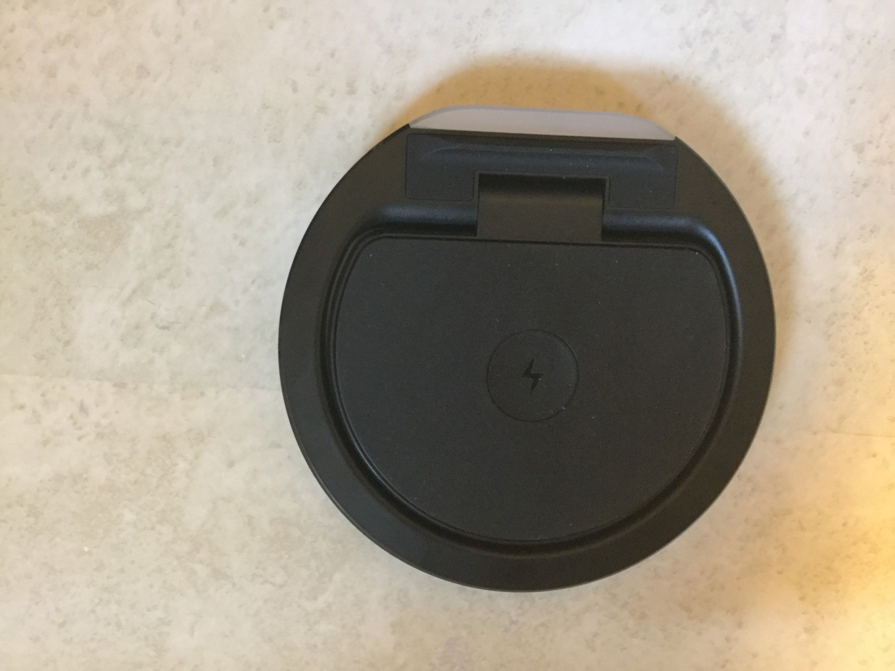 Nice wireless charger, works great with my Samsung Galaxy S9