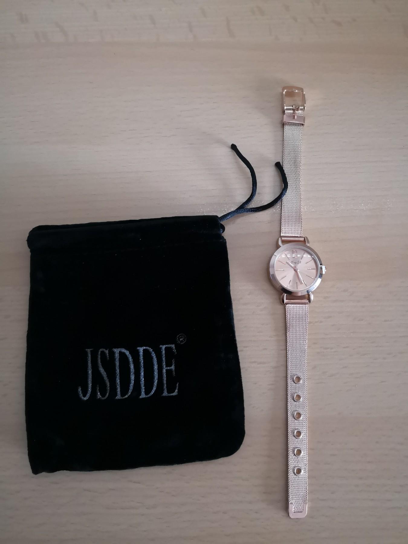 Sehr schöne und preiswerte Uhr