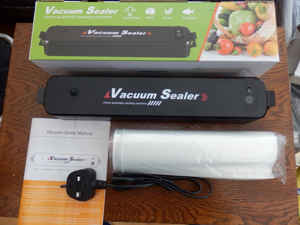 Multifunctional and safe to use vacuum sealer by Verisa