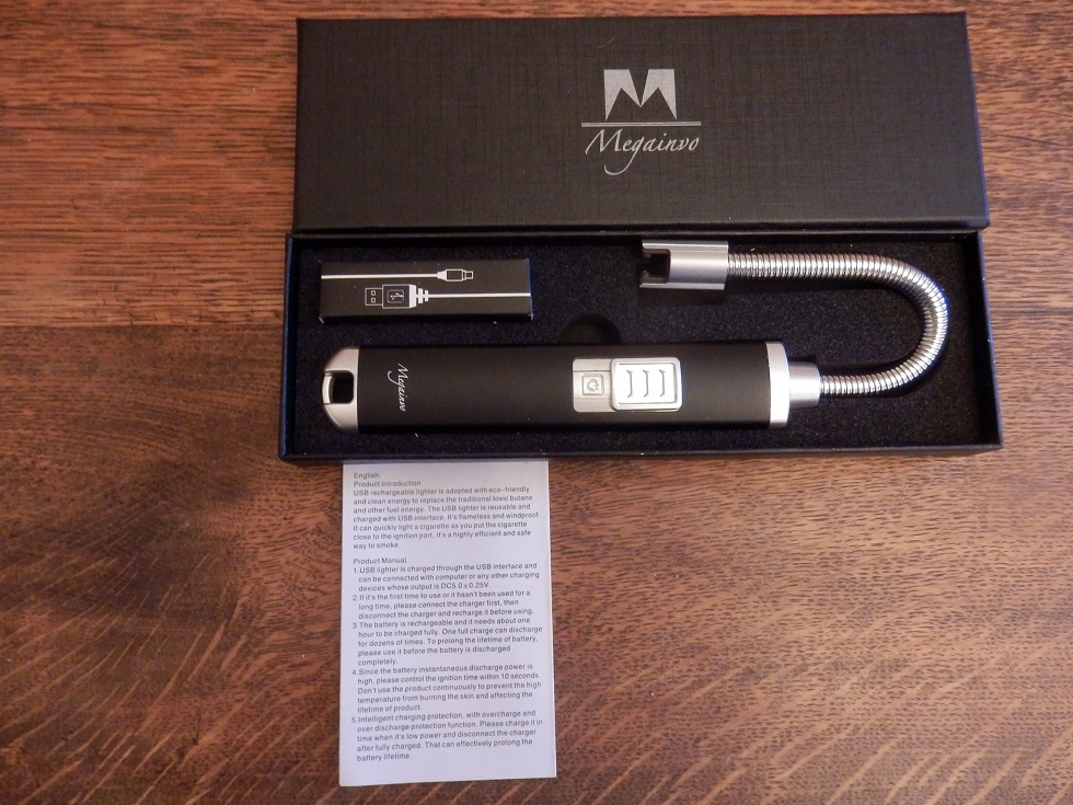 Electric and rechargeable arc lighter with flexible neck safe to use for both indoor and outdoor activities by Megainvo
