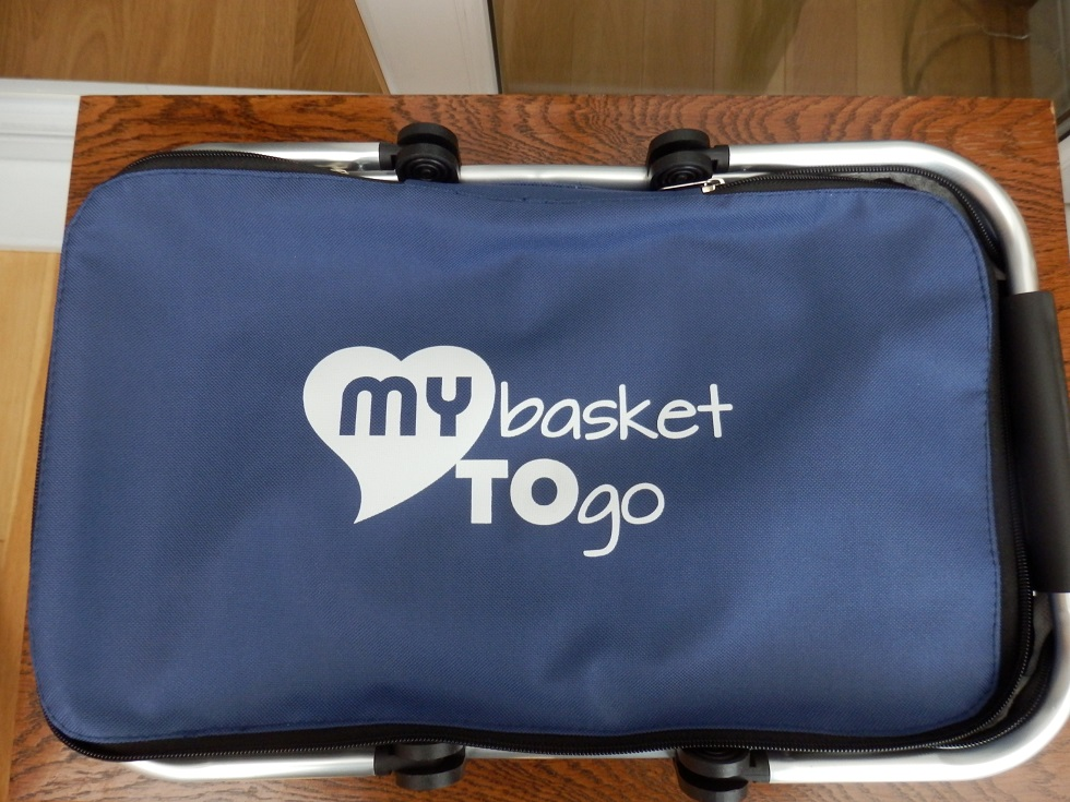 A versatile folding carry bag with big capacity and comfortable handles by MY TO