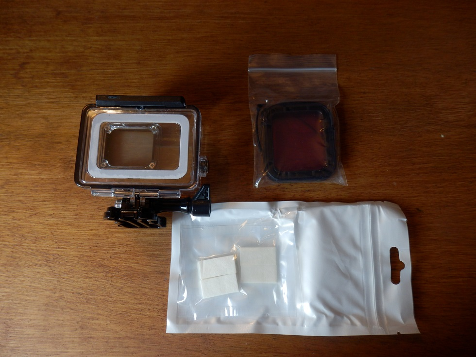 Waterproof protective case with red filter and anti-fog inserts for the GoPro Hero 5 from MyArmor