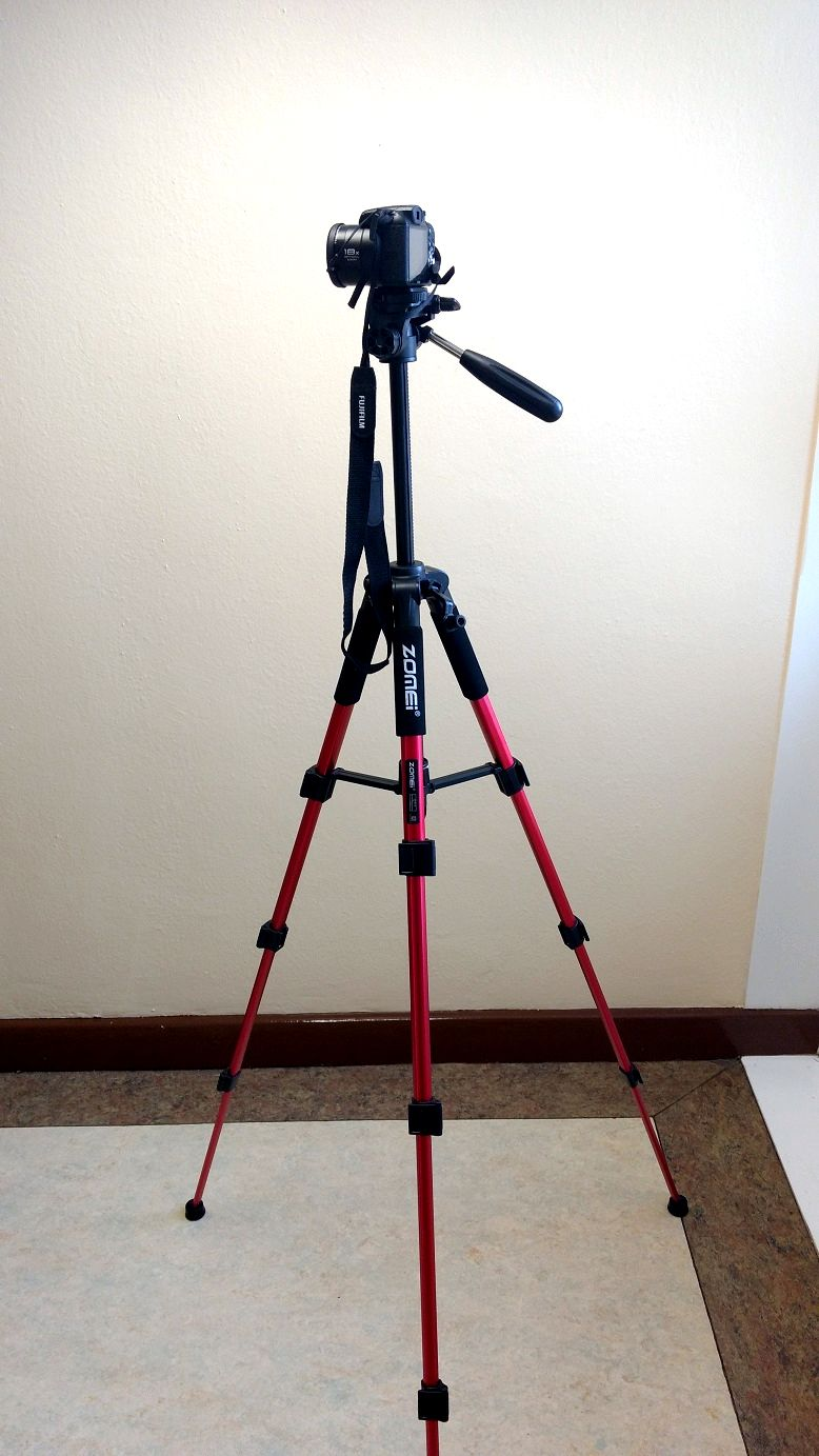 A Good Lightweight Camera Tripod At A Great Price