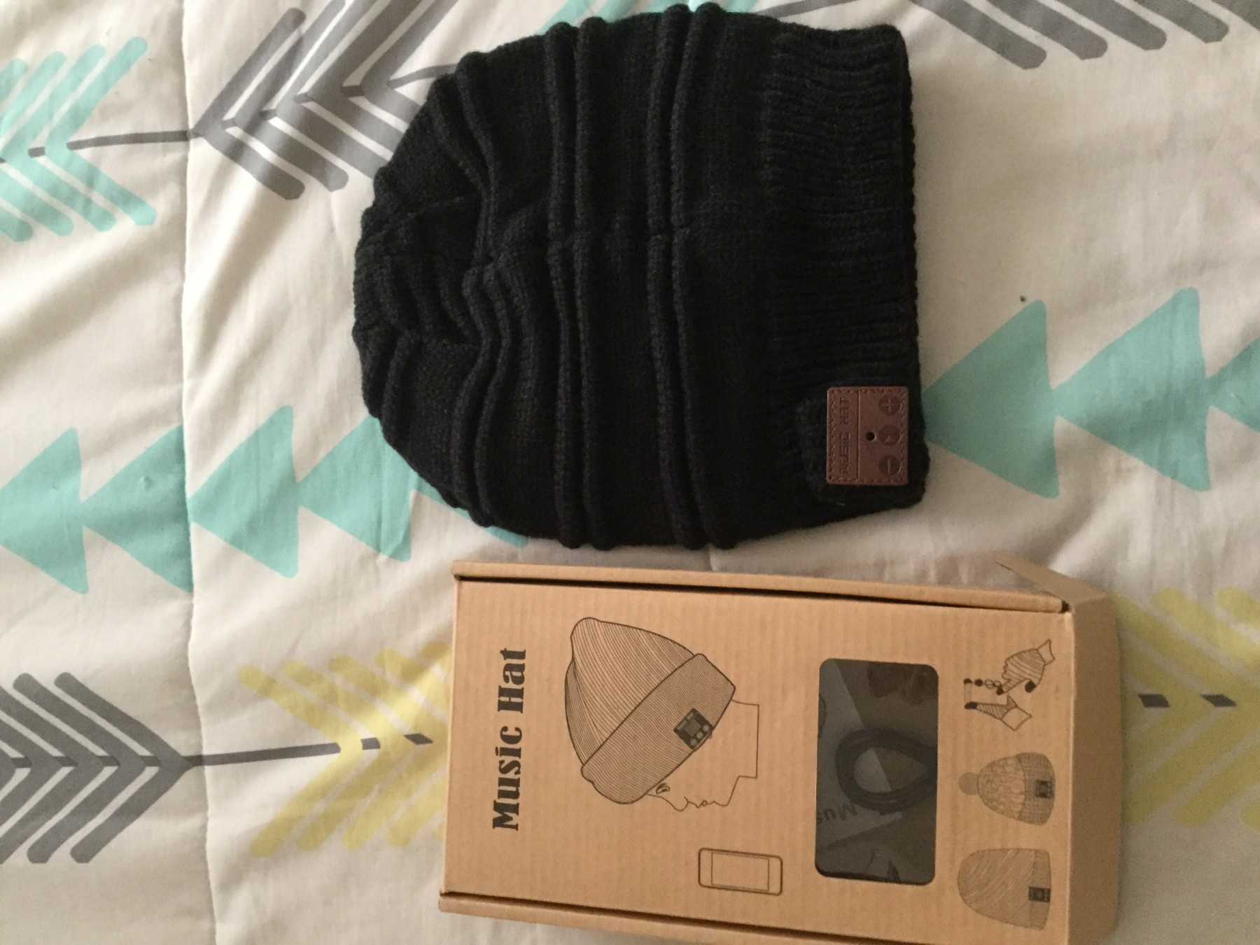 Warm Bluetooth speaker beanie