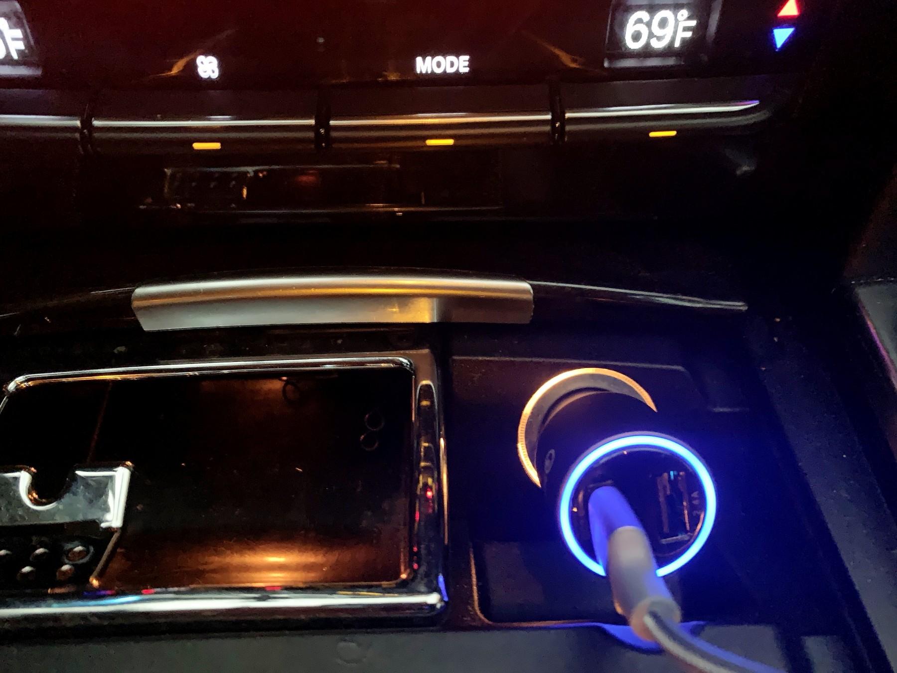 Nice quality car USB charger