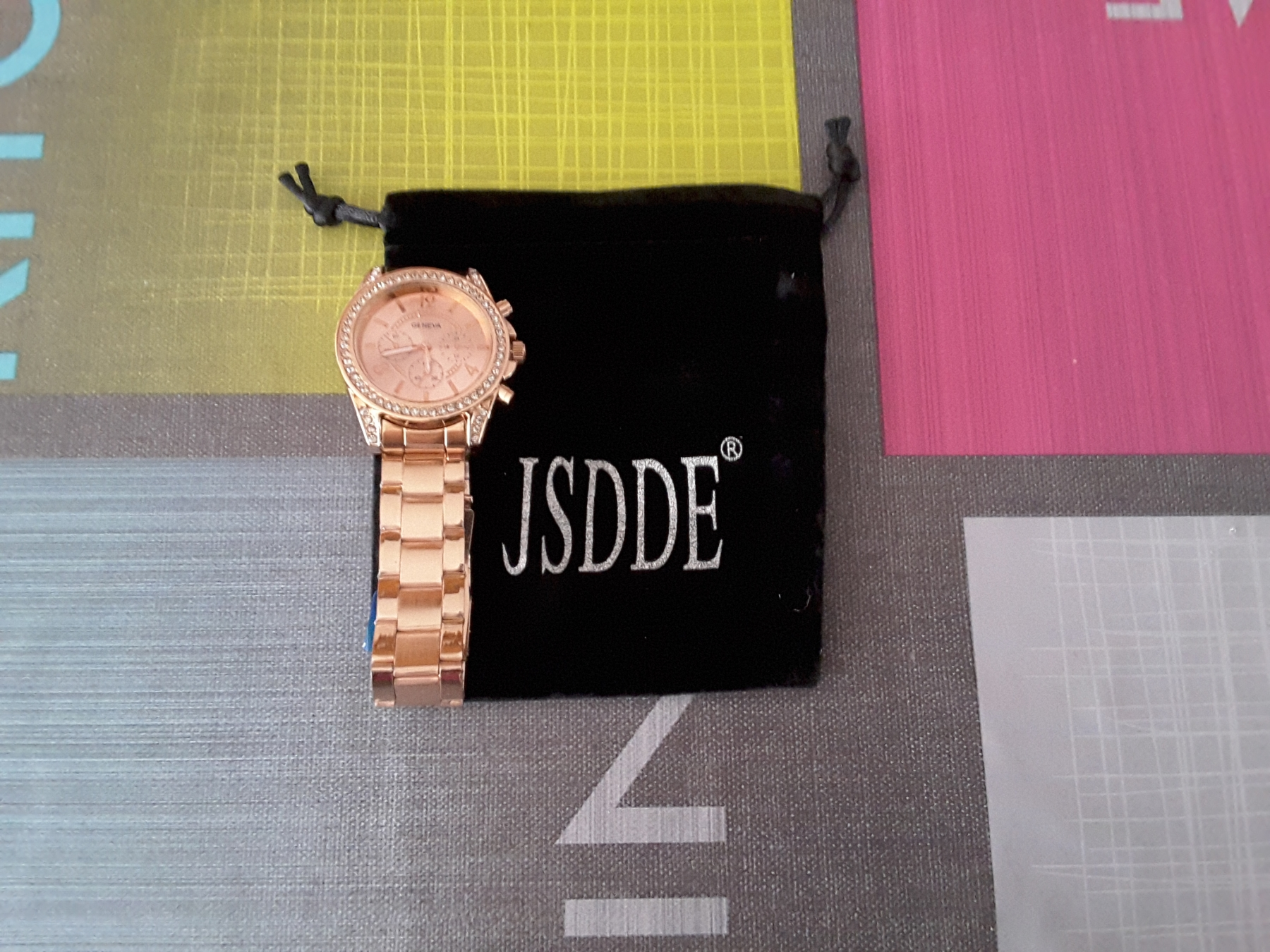 Montre Rose JSDDE