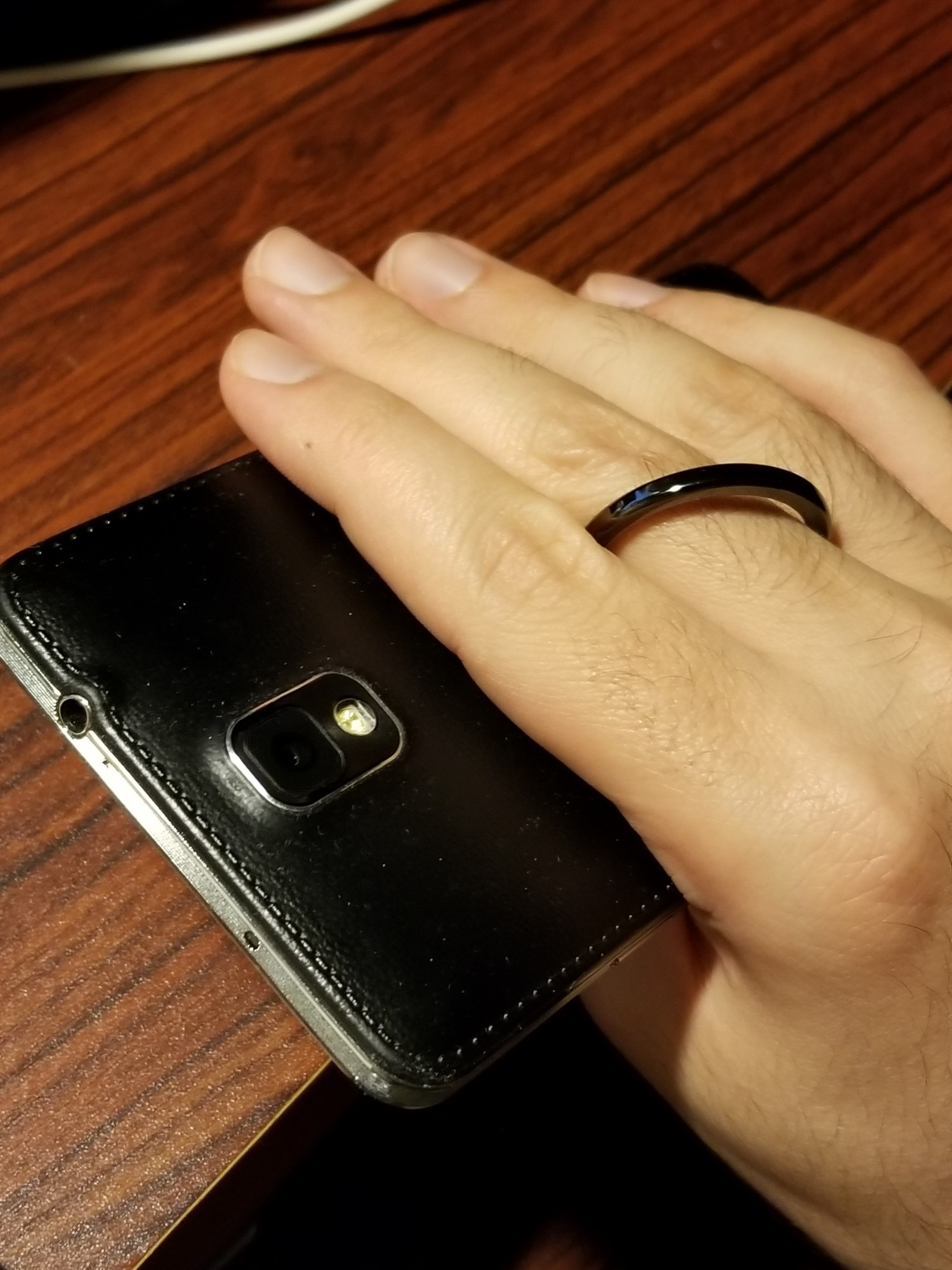 Overall, a nice and solid phone ring with a unique design and works good. (October 27, 2017)