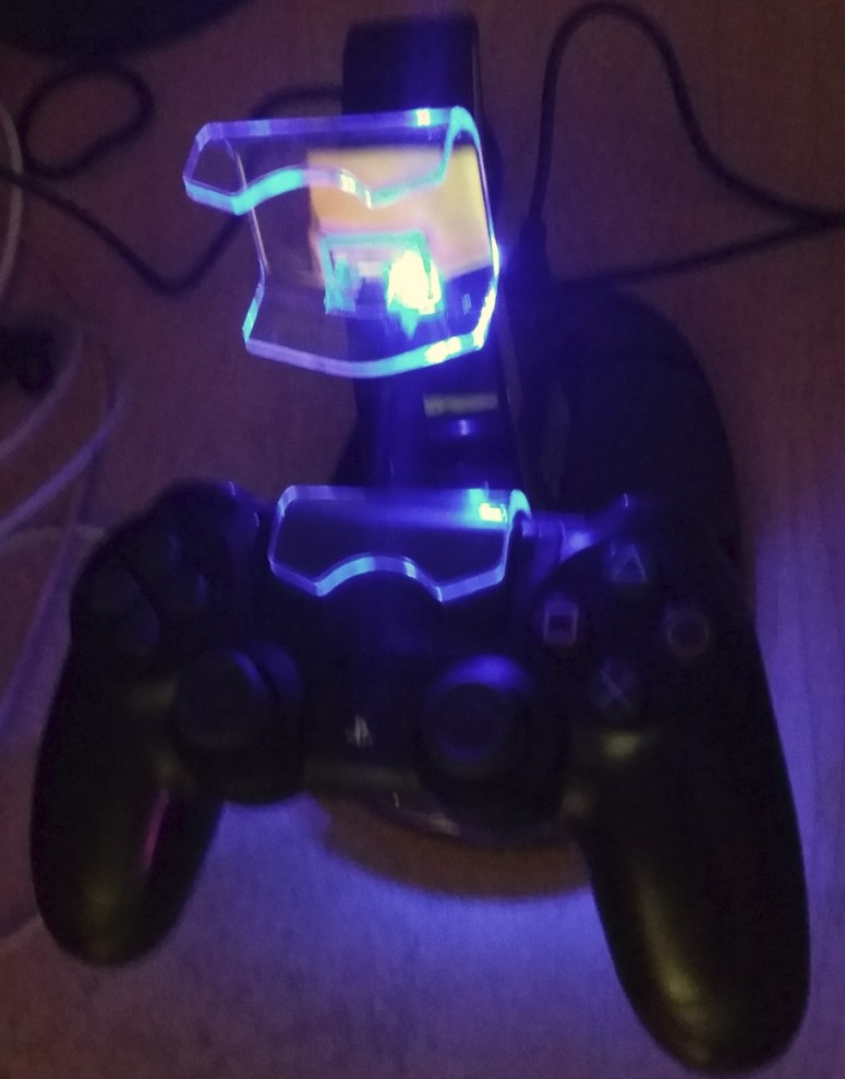 Excellent PS4 controller charger with dual docks and LED indicator.