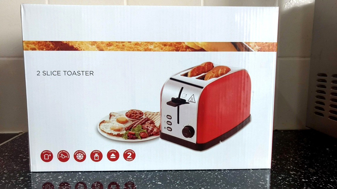 LATITOP Red 2-Slice Toaster With Extra Wide Slots