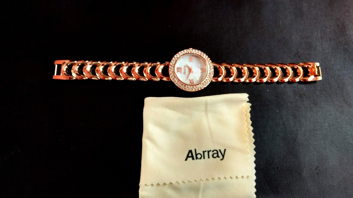 Abrray Women's Luxury Gold Coloured Quartz Wrist Watch