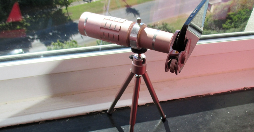 WIFUN Rose Gold 18 X Telephoto Lens & Tripod For Mobile Phones