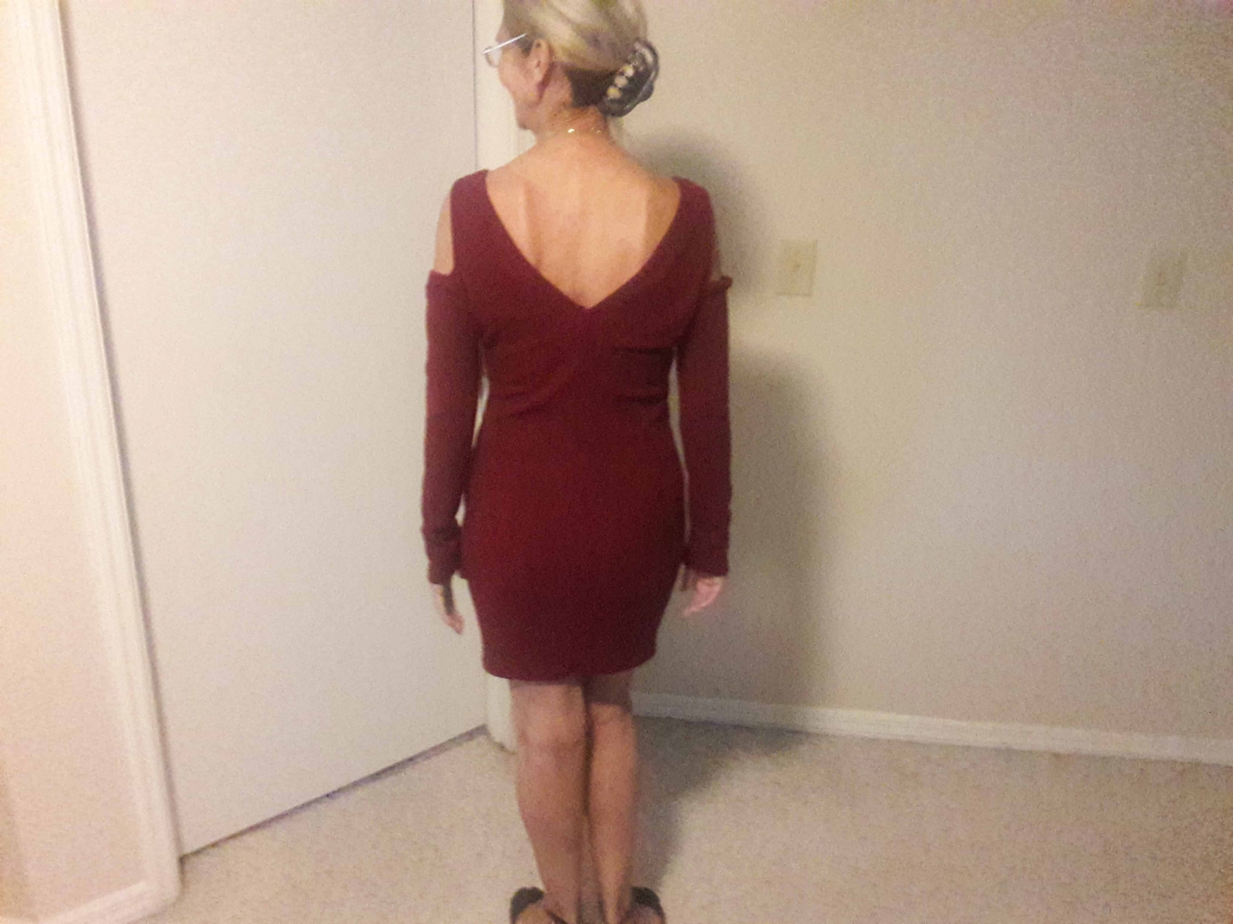 The sexy Ninimour Knitted Mini Dress feels great on.
