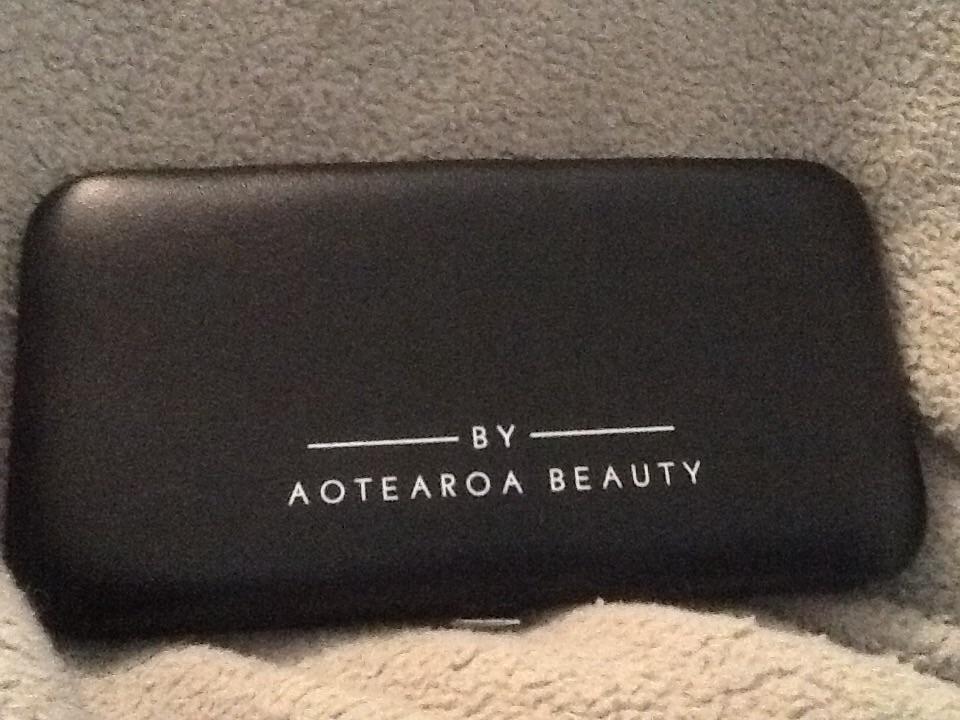 Aotearoa beauty grooming kit