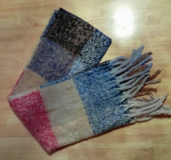Very soft and cozy scarf!