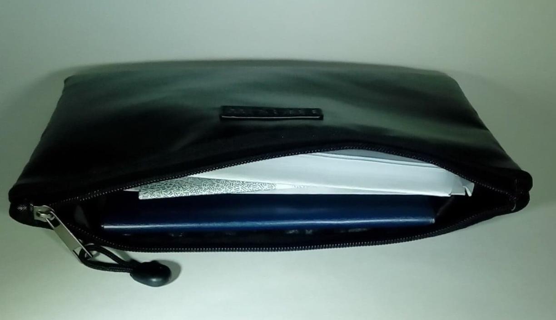 Nice quality document bag!