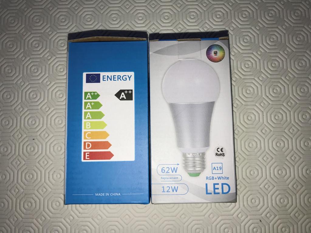 Set da 2 Lampadine da 12W E27 - RGB + White 6.000 k - LED - con 2 telecomandi! COMODISSIME