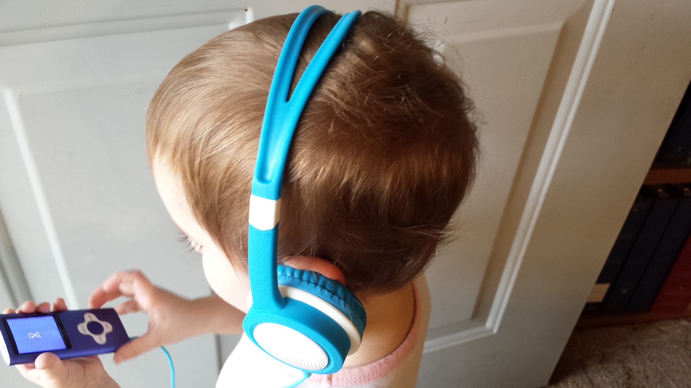 Finally a headset that fits small children!