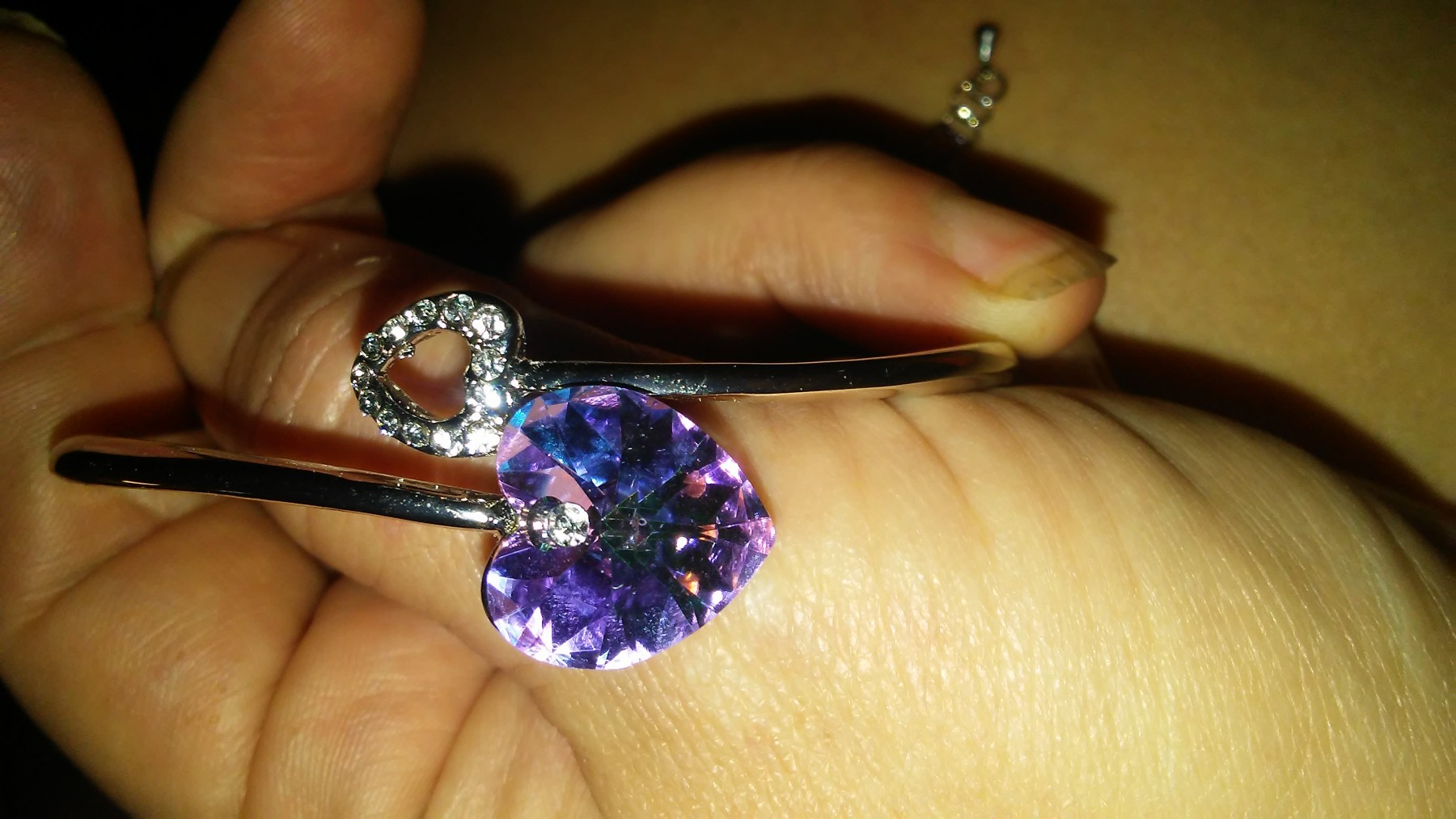Very pretty bracelet and looks great on