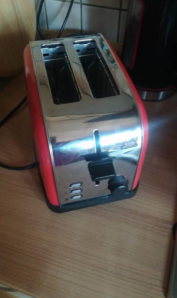 Retro und stylisch dieser schöne Toaster