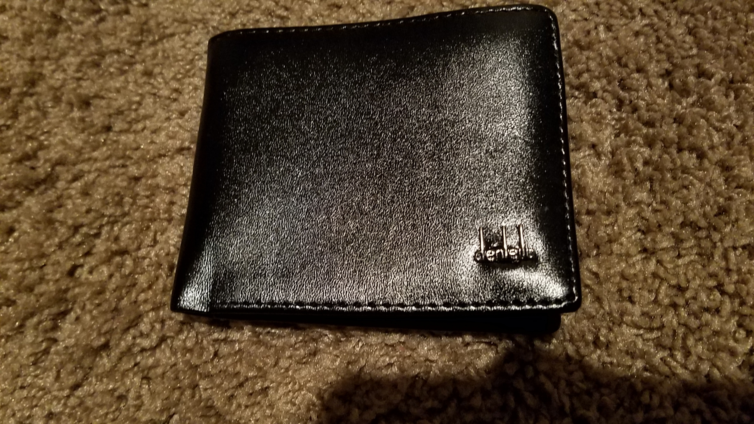 Nice wallet, very light material.