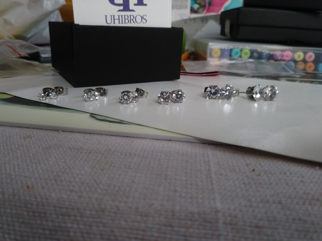 Very Pretty Cubic Stud earring set
