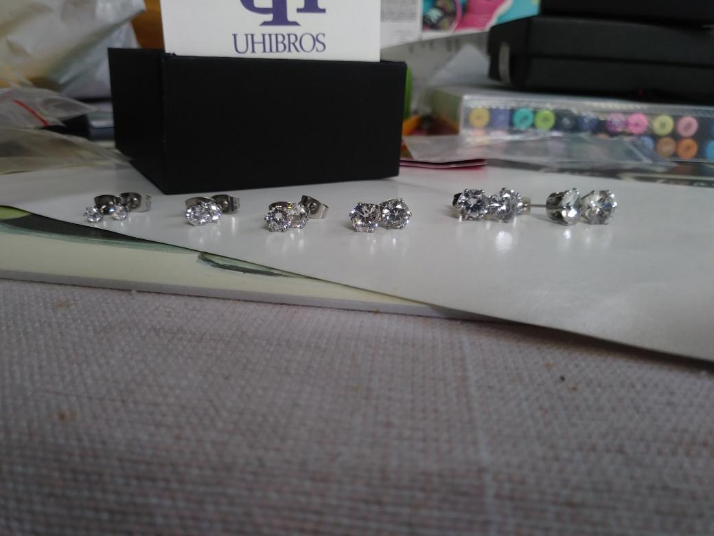 Very Pretty Cubic Stud earring set