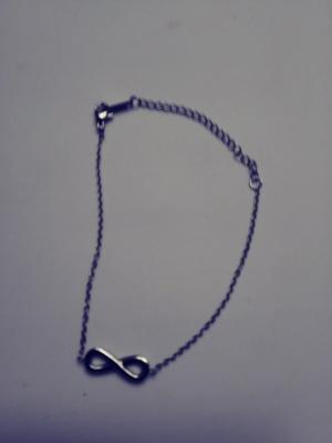 Lovely bracelet with infinity symbol