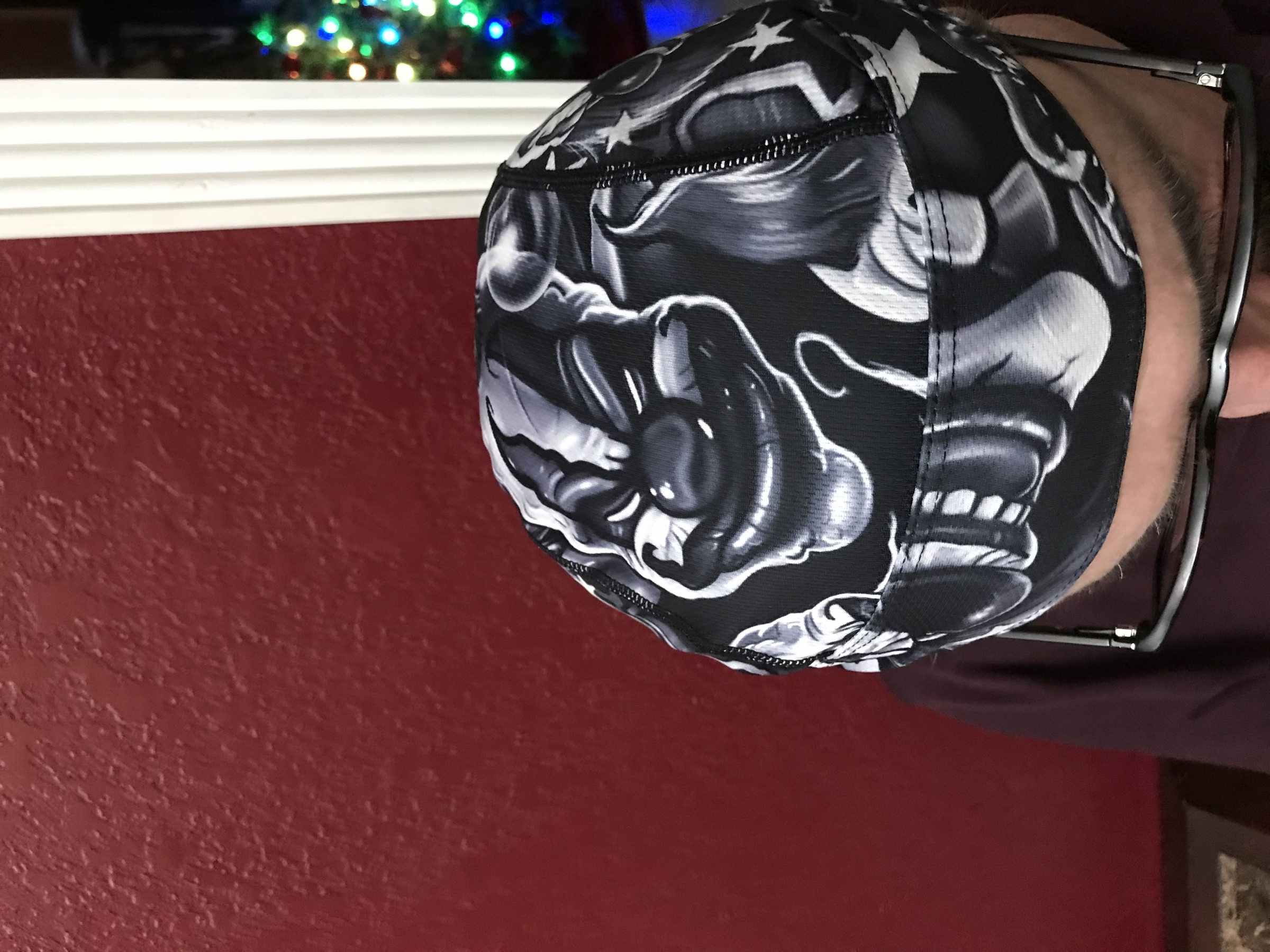 Skull cap by Toplor.