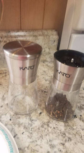 Kato Manual Salt and Pepper Grinder Set